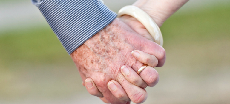 When Love Blooms: Navigating New Senior Connections
